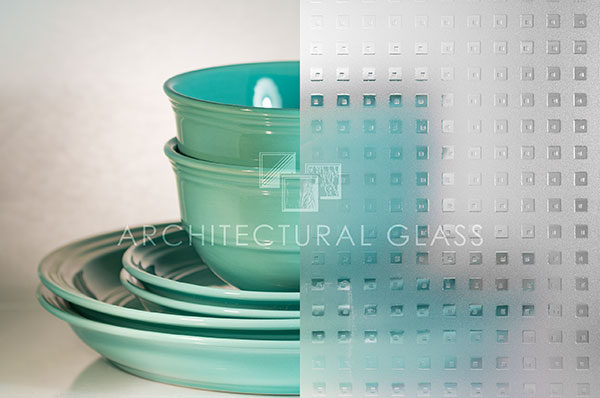 Acid etched glass with geometeric pattern
